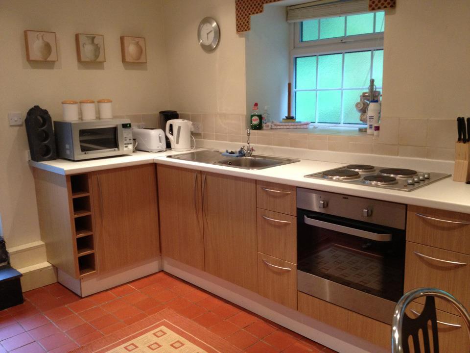 new kitchen 552239_299532940144230_103697094_n